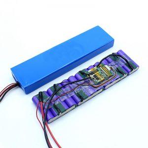 Tovární cena přizpůsobená 18650 36voltová lithium-iontová baterie 36V